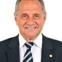 CARLOS MANATO